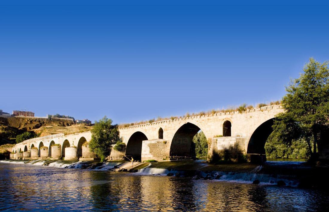 Puente Romano sobre el Rio Duero. Zamora