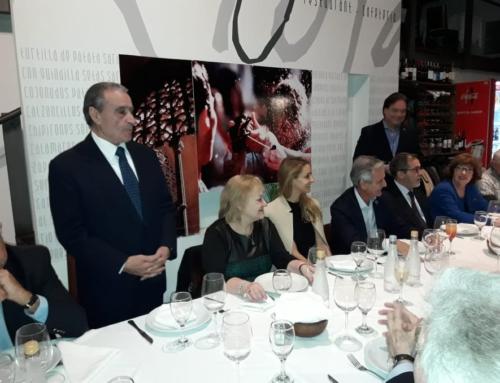 Cena con el Vicejefe de Ministros, D. Andrés Ibarra y Colectividad Española
